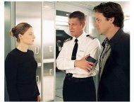 Flightplan Movie Stills: Jodie Foster, Sean Bean and Peter Sarsgaard