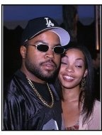 """Ice Cube brought his brave wife at the """"Bowfinger"""" Premiere"""