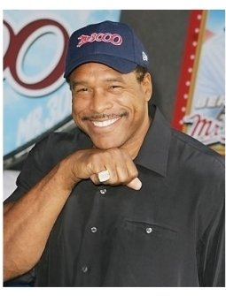 Dave Winfield showing of his 3000 Hits Diamond Ring at the Mr. 3000 Premiere