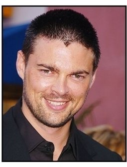 """Karl Urban at """"The Chronicles of Riddick"""" Premiere"""