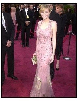 Academy Awards 2002 Fashion: Kirsten Dunst