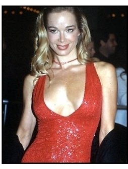 Jennifer Gareis at the Vertical Limit premiere