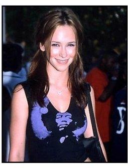 Jennifer Love Hewitt at the 2000 Kobe Bowl