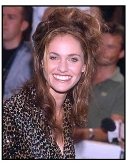 Amy Brenneman at the Hollow Man premiere