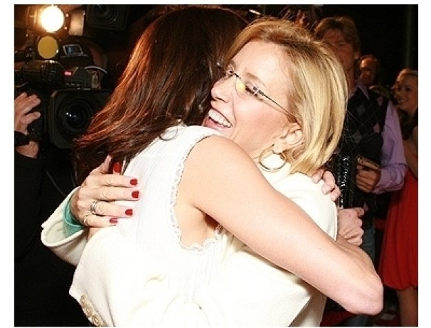 """Teri Hatcher's Book """"Burnt Toast and Other Philosophies of Life"""" Party:  Teri Hatcher and Felicity Huffman"""