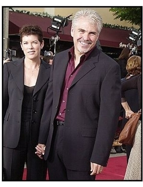 """Director Gary Ross and Allison Thomas at the """"Seabiscuit"""" premiere"""