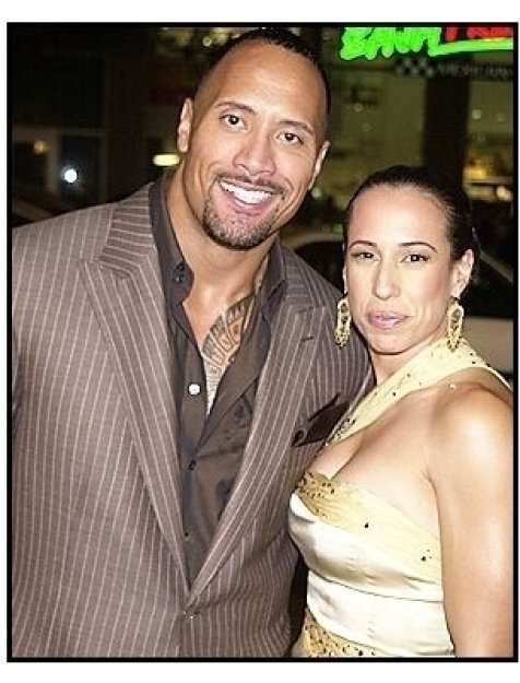"""Dwayne """"The Rock"""" Johnson and wife Dany at the """"Walking Tall"""" Premiere"""