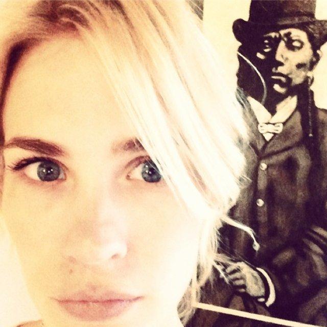 January Jones on Instagram: Our Favorite Selfies | Photos ... January Jones Instagram