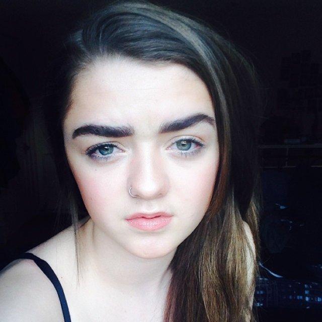 Maisie Williams, Instagram